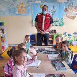 Crveni krst Bogatić povodom nedelje Crvenog krsta poklonima obradovao decu u Predškolskim ustanovama u Dublju i Banovom Polju