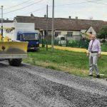 Radi se rekonstrukcija državnog puta IB reda Sremska Mitrovica – Bogatić u ukupnoj dužini od 10 km